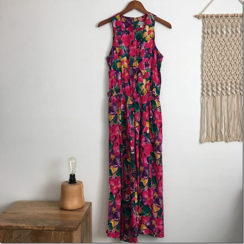 sleeveless-floral-vintage-dress