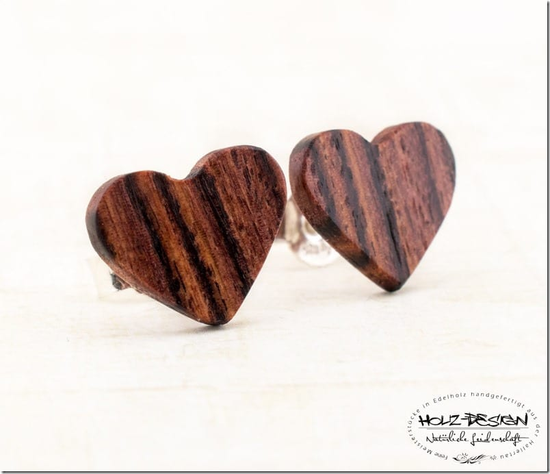veilchen-wood-heart-stud-earrings