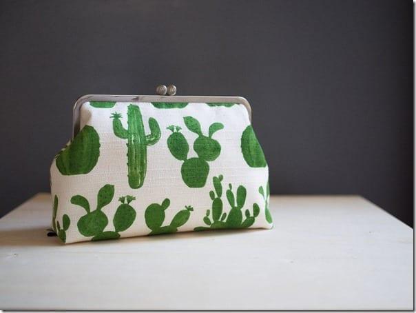 green-cactus-clutch