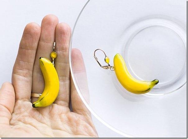 summer-banana-mood-earrings
