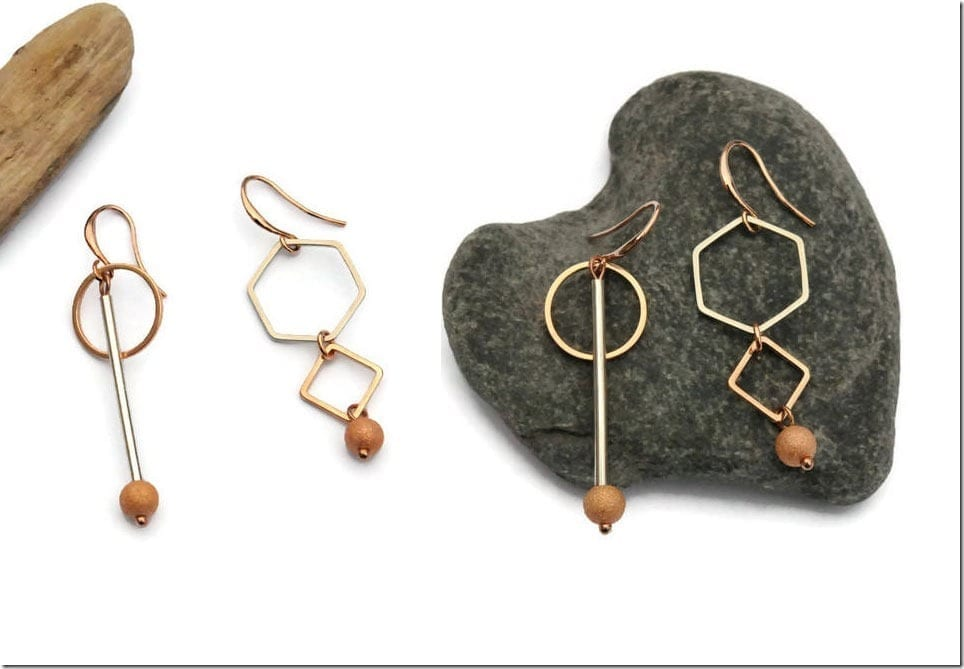 The Elegant Asymmetric Earrings To Complete Regular Or Festive Outfit