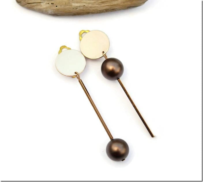 minimalist-asymmetric-rose-gold-earrings