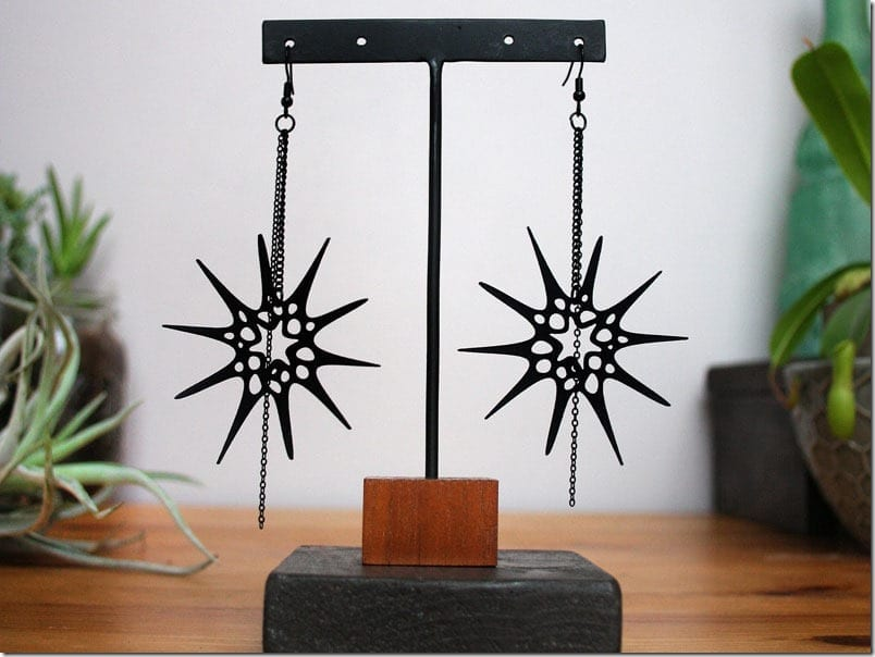black-spiky-star-earrings