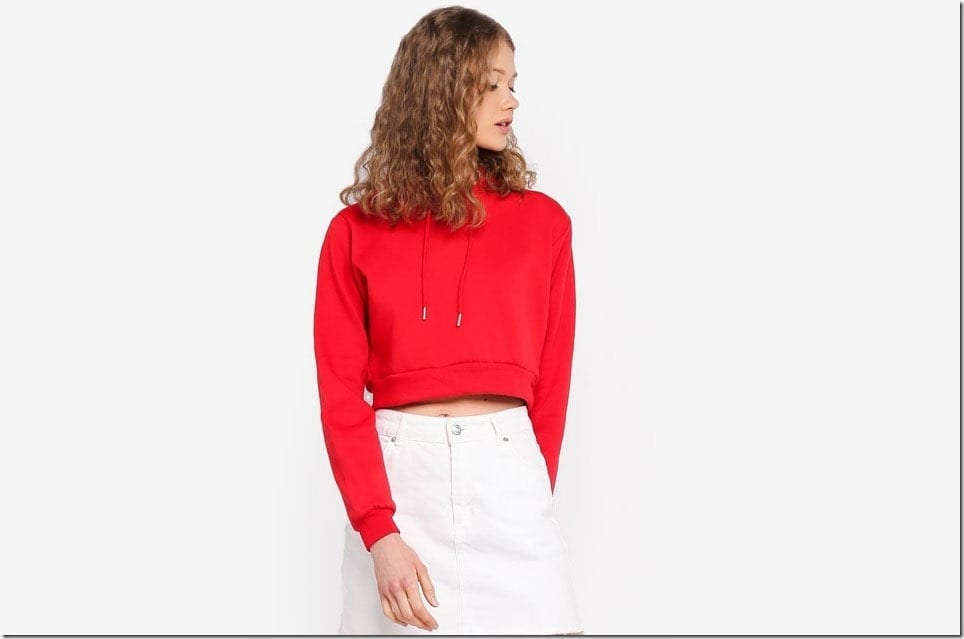 A Cropped Hoodie Style For All Your High Waisted Bottomwear