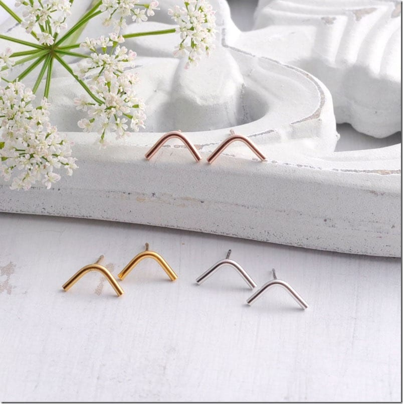 curved-line-stud-earrings