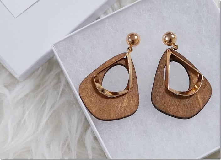 gold-accent-wood-drop-earrings