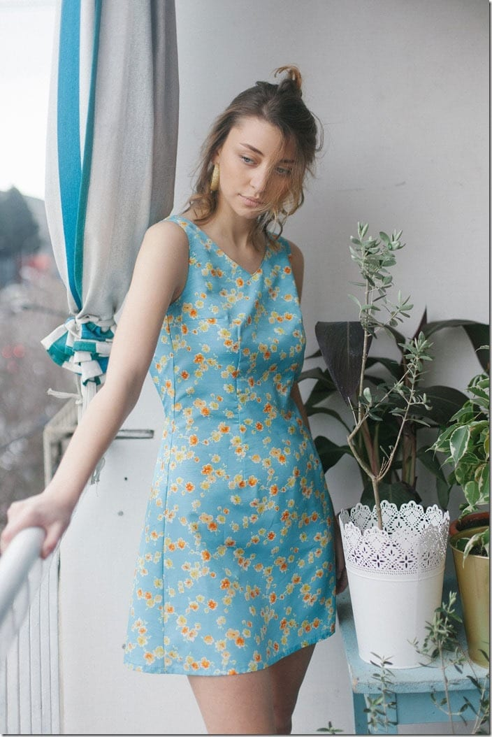 vintage-floral-sleeveless-dress