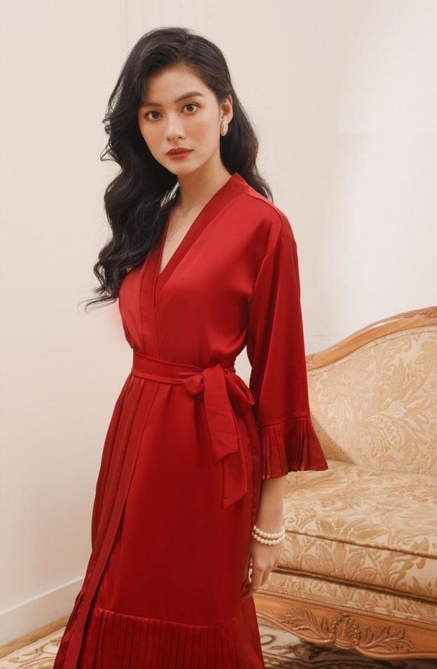 Pleated hem tie waist silk red dress