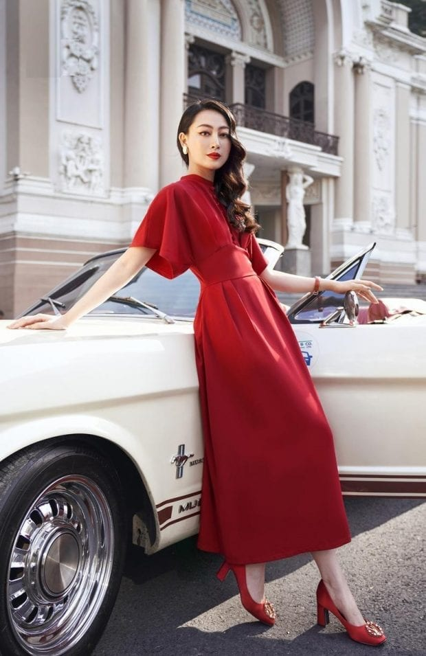 Red wide sleeve silk dress