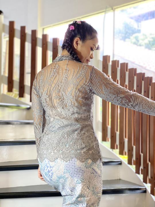 Grey lace Balinese kebaya top