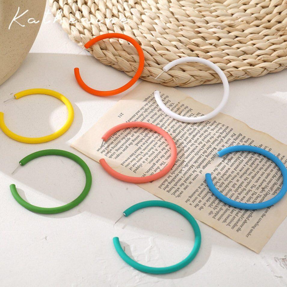 colored acrylic hoop earrings // GreenwoodsJewellery