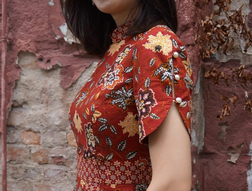 Tailored batik dresses in contemporary designs are aplenty at Gerson Batik. Check them out!