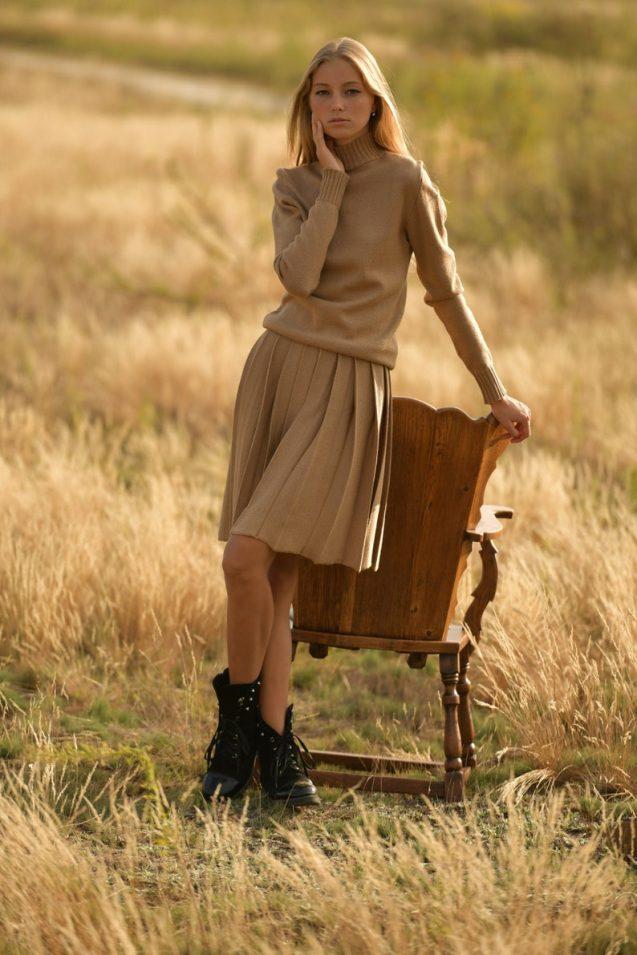 beige knit skirt top set // PASMAdesign